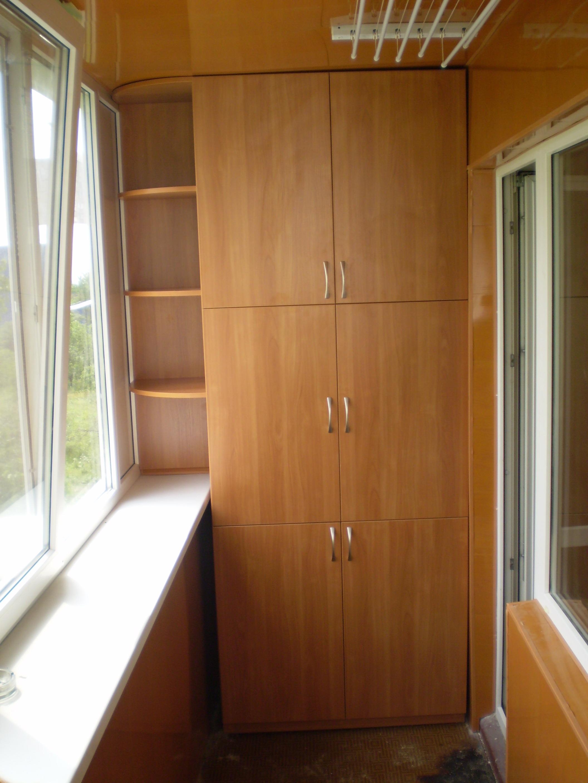 """Шкафы купе на балкон 26 шкаф купе на балконе фото""""мебель на ."""