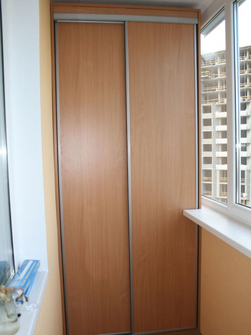 Шкаф купе на балкон фото